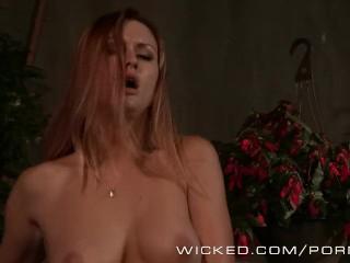 Sexy ginger Karlie Montana