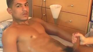 Huge arab cock for my hands.