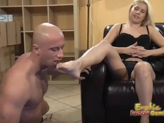 Blondes tells submissive to lick and eat her feet