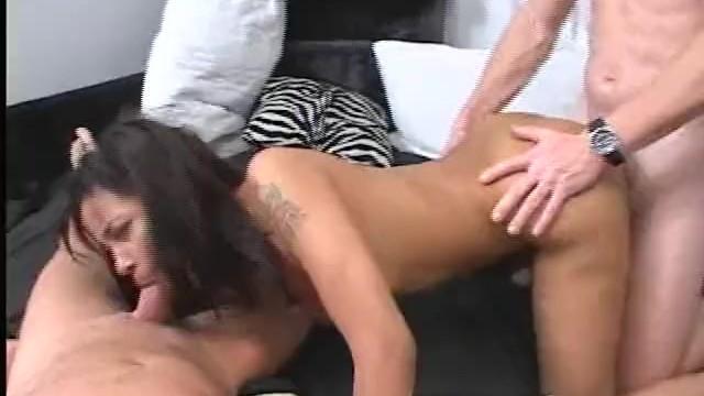 Download Gratis Video Nikita Mirzani No Deposit No Return, Scene 3