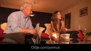 Grey grandpa fucks anal sexy young babe Alice