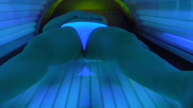 masturbatsiya-v-solyarii-video-onlayn-stseni-gruppovogo-seksa-video-kompilyatsiya