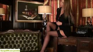 Big Breasted Cougar Leigh Darby Masturbates