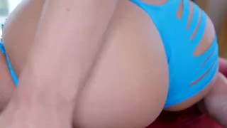 Jada Stevens twerks her big round juicy ass and gets fucked doggystyle