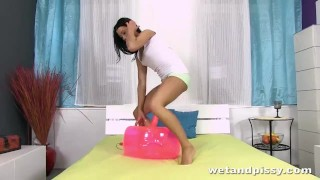 Pee love just girls peeing who compiliation compilation toys
