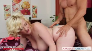 Babe busty curly haired fucking siri raw on