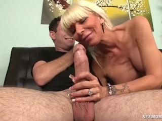 hot and horny milf sucking - pornhub