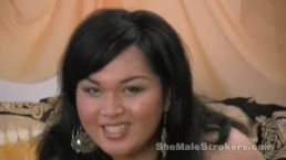 Transessuale grassoccia Tia