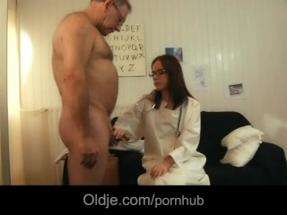 66 old senior fucks his young doctoresse in the medical cabinet