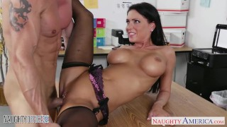 Sexy Secretary Babe Jessica Jaymes Fucked on Her Desk