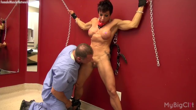 Muscle woman tgp Muscle woman gets her clit played with