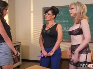 Preview 1 of Nina Hartley and Lisa Ann teach Belle Knox how to fuck