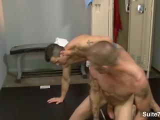 Naughty sporty jocks Brenn Wyson and Phenix Saint suck their large cocks