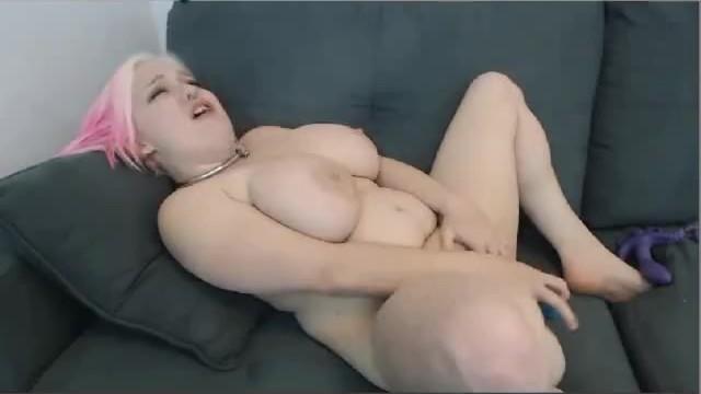 Lilly the midget Curvy midget fucks her pussy on webcam