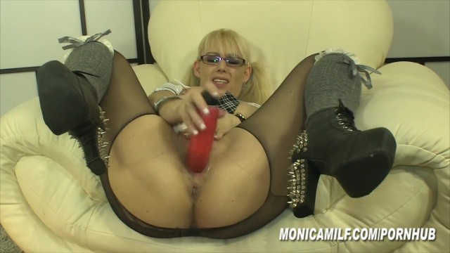 Support pantyhose open toe - Monicamilf is so horny that she rips open her pantyhose for hard orgasms