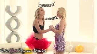 Twistys - Dakota sky gets her pussy licked