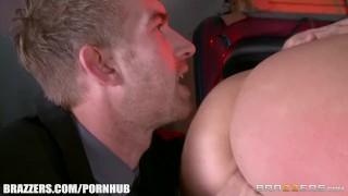 Dahlia Sky loves anal - Brazzers Blowjob kink