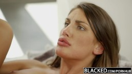 BLACKED - August Ames se prend une giclée interéthnique