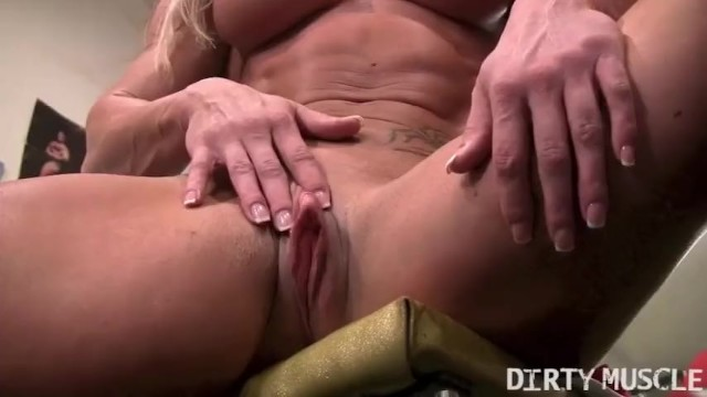 David banner work that clit Sexy buff blonde works out her big clit in the gym