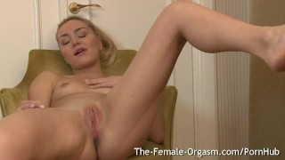 Her orgasms masturbates contracting wet pussy real multiple to blonde babe blonde juice