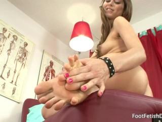Preview 1 of Riley Reid - Foot Fetish JOI