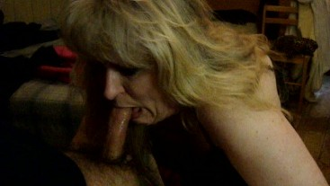 QUEENMILF GIVING EXTREME THROAT-FUCK FROM LANDLORD