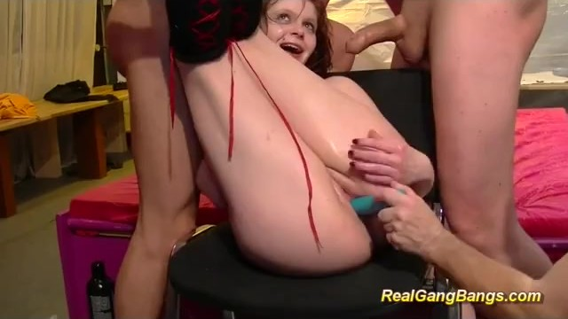 Extra large dildos and dongs Red head loves getting dongs in her holes