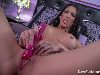 Dava Foxx Vibrates Her Wet Pussy