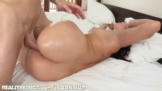 Reality Kings - Sexy babe and her presex workout