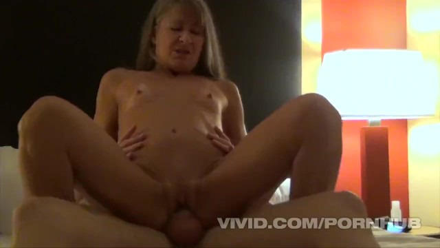 Senior anal and oral sex - Phil varone gives it to an old swinger at the seniors home