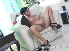 Big Ass Shemale Kloe Nice Tits Jerking off and cum