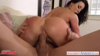 Hot mom Kendra Lust take cock