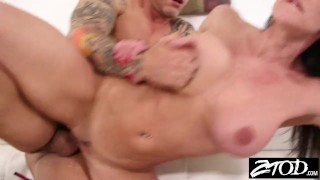 Kendra Lust gets her big ass out for a fucking