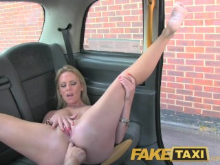 Flexi girl anal fisting