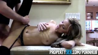 Petite house pervert realtor sexy to pretending fucks propertysex buy cowgirl of