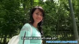 PublicAgent - Russe sexy aux cheveux noirs baisée dans les bois