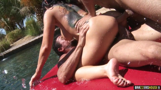 Lee pam sex tommy video - Brazzers house - live orgy finale - brazzers