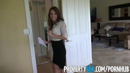 PropertySex - Unglaublich heiße Maklerin flirtet mit Kunden und fickt vor Kamera