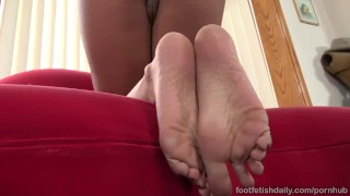 Cumshot on and a fucked pussy gets verta feet worship feet