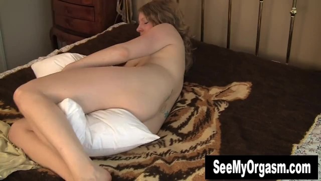 Kinky Emily Humping The Pillow 10