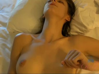 Willow Hayes makes you cum on your vacation together