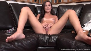 Renee Roulette Has Feet Sucked And Pussy Thrusted Until She Cums