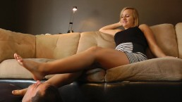 Jenni's Lazy Night - www.DreamgirlsSocks.com