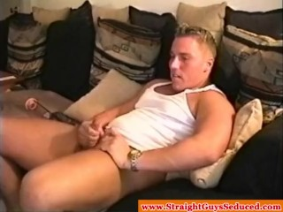 Muscular straight hunk wanking off and plays with cock pump