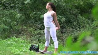 PublicAgent Brunette babe gets fucked outdoors in her yoga pants Fetiche webcam