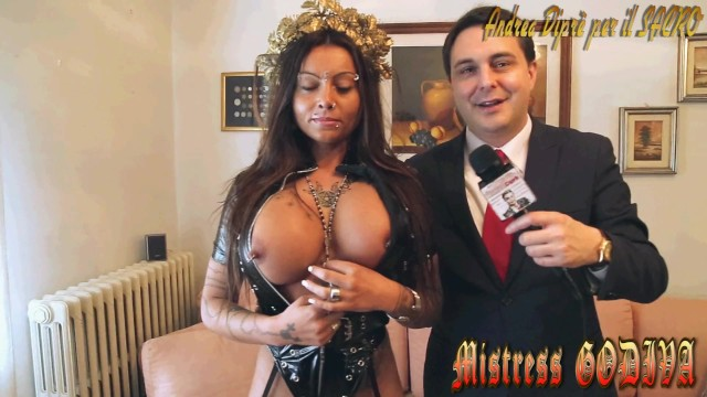 Andrea anders sexy - Pissing rite by mistress desideria godiva introduced by andrea diprè