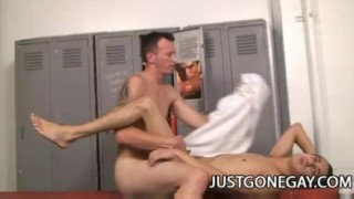 And paul deschanel kit derrick sex room locker dilf on twink cock justgonegay