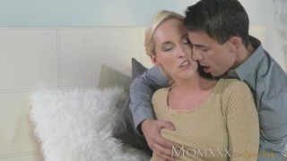 MOM Stunning MIlf sucks and fucks her younger stud dry porno