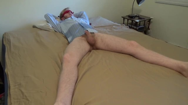 Male kitten peeing Male desperation peeing in bed