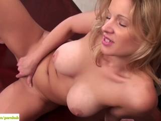 Avery Johannson Masturbates On Desk